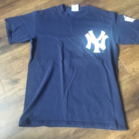 a07b53b47c3 Majestic Shirts & Tops | New York Yankees Derek Jeter Tshirt | Poshmark